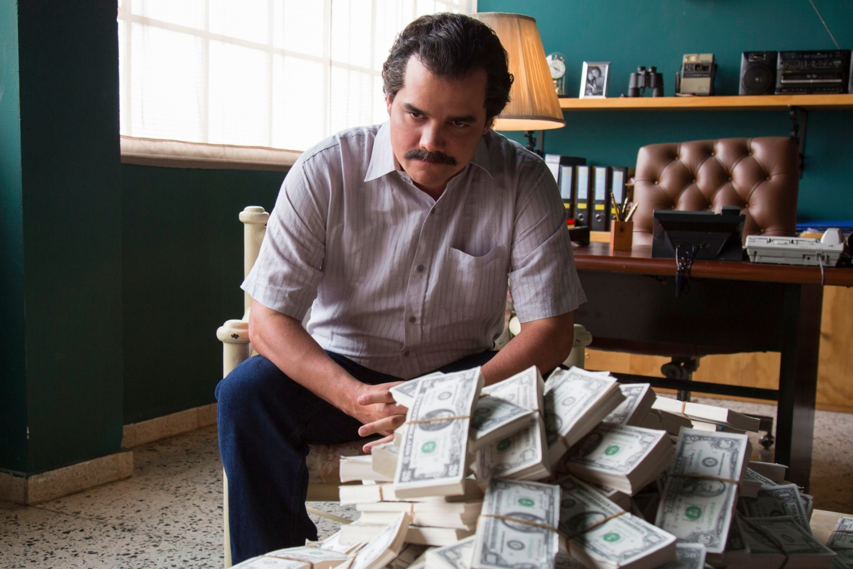 Screenshot №1 pro téma Narcos about Pablo Escobar TV Show 2880x1920