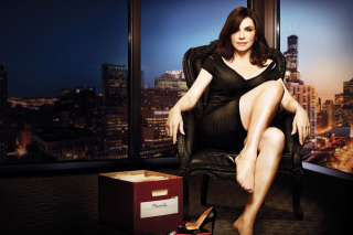 Julianna Margulies as Alicia Florrick in The Good Wife - Obrázkek zdarma pro 480x320