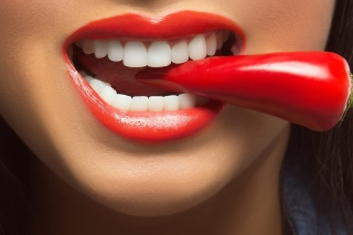 Spicy pepper and lips sfondi gratuiti per Android 480x800