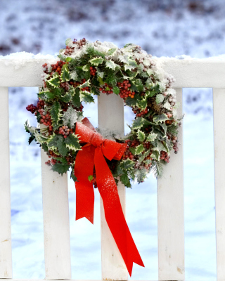 Free Holiday Wreath Picture for 768x1280