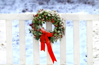 Holiday Wreath Background for Android, iPhone and iPad