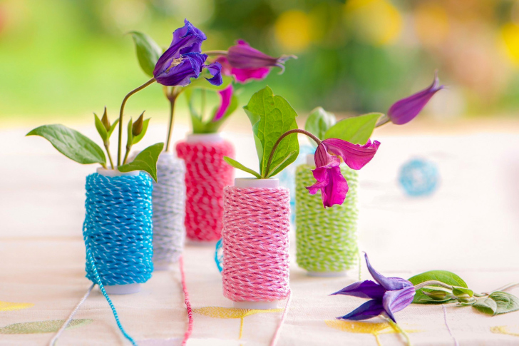 Knitted flower vases wallpaper