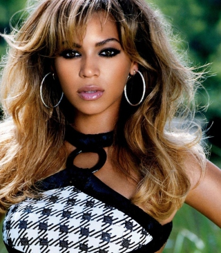 Beautiful Beyonce Picture for HTC Titan