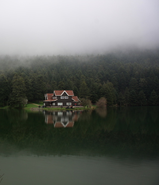 House On Lake In Turkey Picture for Nokia C1-01