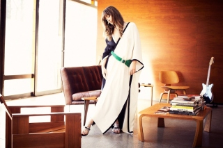 Kostenloses Olivia Wilde in Kimono Wallpaper für Samsung I9080 Galaxy Grand