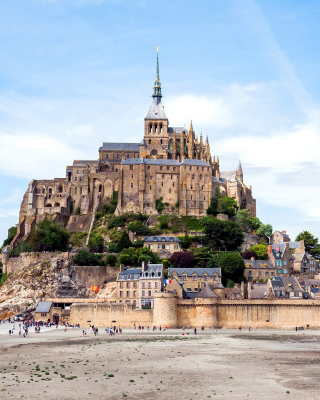 Free Mont Saint Michel Picture for Nokia Asha 311