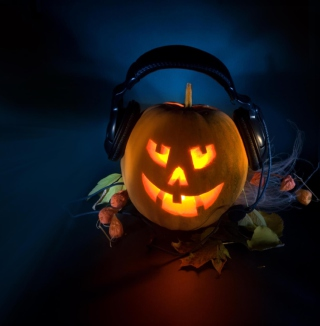 Pumpkin In Headphones sfondi gratuiti per 1024x1024
