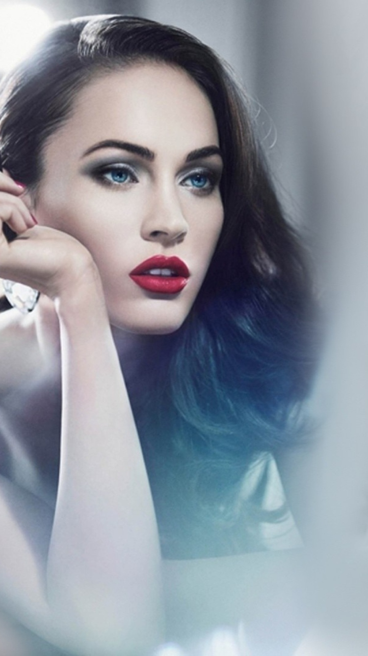 Megan Fox wallpaper 750x1334