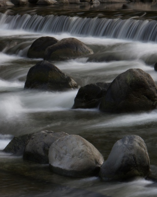 Free Waterfall Picture for Nokia C2-05