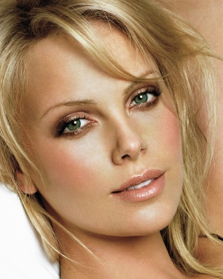 Free Charlize Theron Picture for iPhone 6 Plus