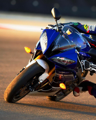Yamaha YZF R6 Wallpaper for Nokia C1-02