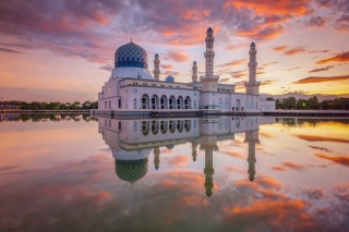 Kota Kinabalu City Mosque Background for Android, iPhone and iPad