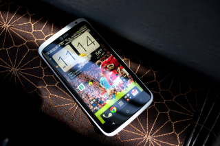 HTC One X - Smartphone Picture for Android, iPhone and iPad