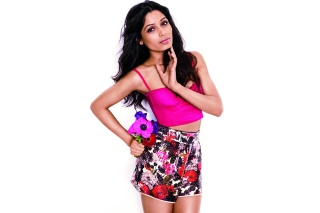 Freida Pinto Glamour Wallpaper for Android, iPhone and iPad