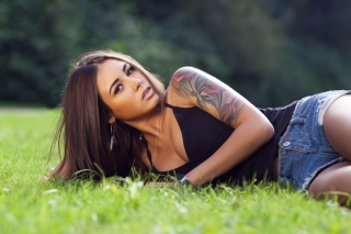 Model With Tattoo Background for Android, iPhone and iPad
