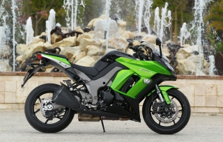 Kawasaki Z1000 Background for Android, iPhone and iPad