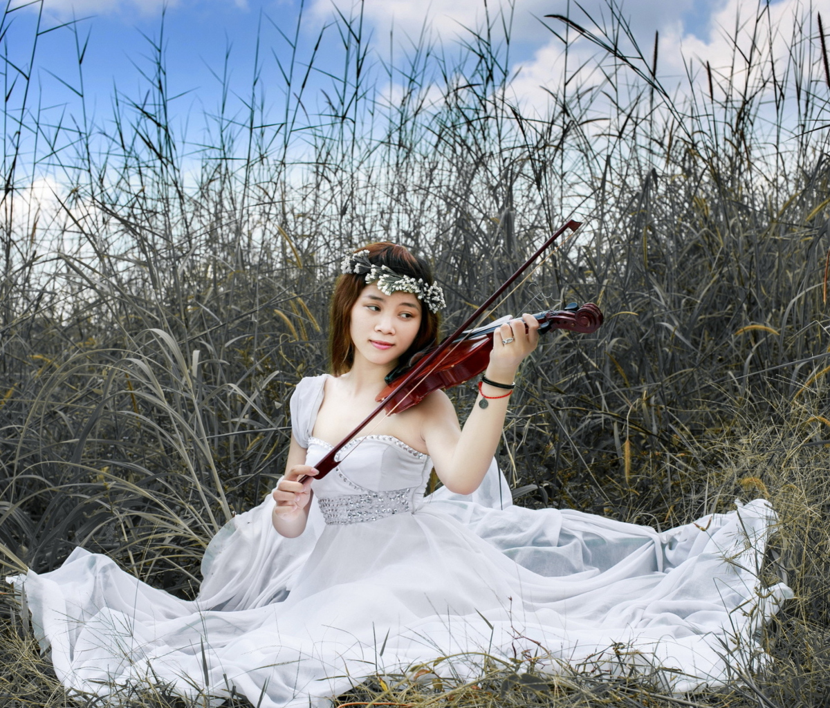 Screenshot №1 pro téma Asian Girl Playing Violin 1200x1024