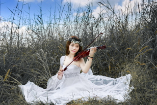 Asian Girl Playing Violin Wallpaper for Samsung P1000 Galaxy Tab