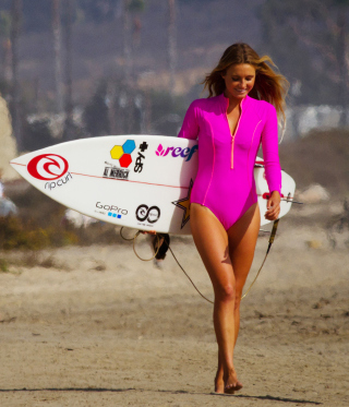 Girl In Pink Surfing Suit papel de parede para celular para Nokia C2-06