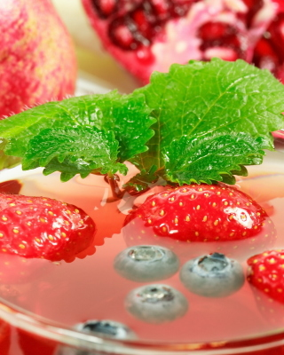Hot Strawberry Cider sfondi gratuiti per Nokia Asha 308