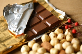 Free Chocolate And Nuts Picture for Android, iPhone and iPad