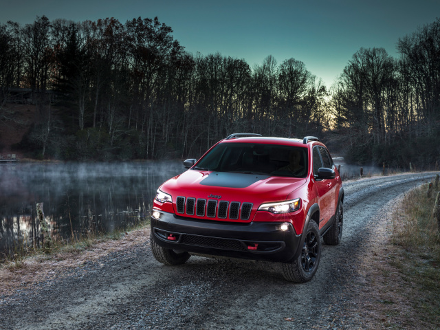 2018 Jeep Cherokee Trailhawk wallpaper 640x480