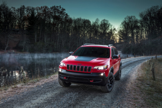 Обои 2018 Jeep Cherokee Trailhawk на телефон