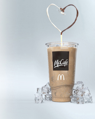 Milkshake from McCafe Background for HTC Titan