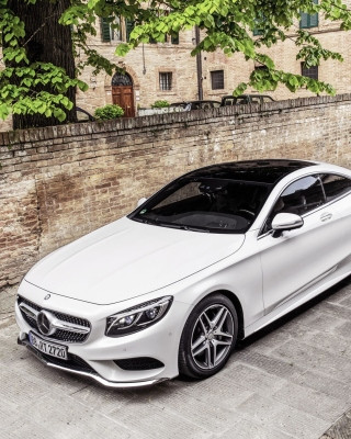Mercedes Benz S Coupe sfondi gratuiti per iPhone 6 Plus