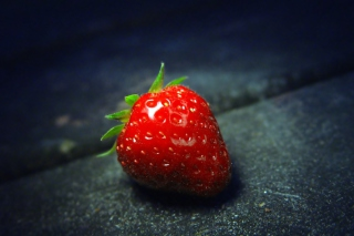 Free Red Strawberry Picture for Android, iPhone and iPad