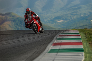 Free Ducati Panigale V4 2018 Sport Bike Picture for Samsung Galaxy S6 Active