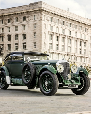Bentley Speed Six 1930 Background for Nokia C2-01