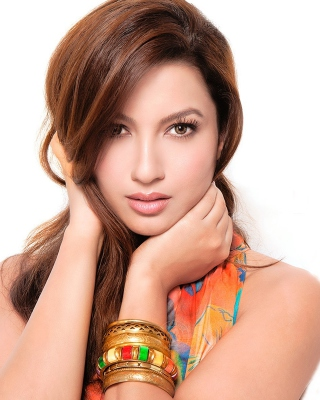 Free Beautiful Gauhar Khan Picture for iPhone 6 Plus