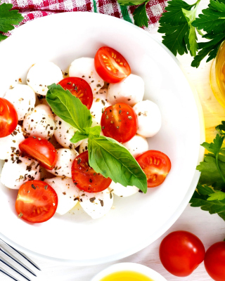 Free Salat, basil, parsley, mozzarella, tomatoes Picture for 240x320