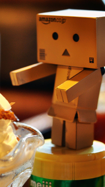 Danbo Loves Ice Cream