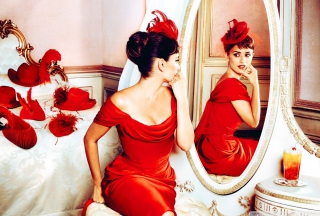 Penelope Cruz In Little Red Dress - Obrázkek zdarma