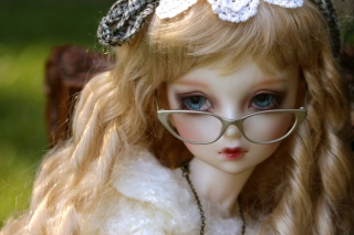 Doll In Glasses Picture for Android, iPhone and iPad