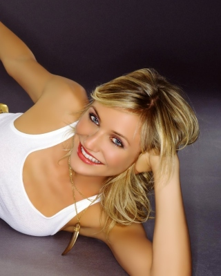 Cameron Diaz in Jeans Background for 240x320