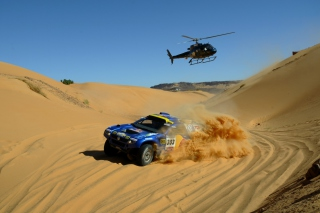 Volkswagen Touareg Dakar Rally Helicopter Race Picture for Android, iPhone and iPad