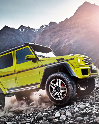 Mercedes Benz G500 4x4 Background for HTC Titan