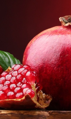 Screenshot №1 pro téma Ripe fruit pomegranate 240x400